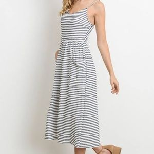 Dresses & Skirts - Striped midi dress